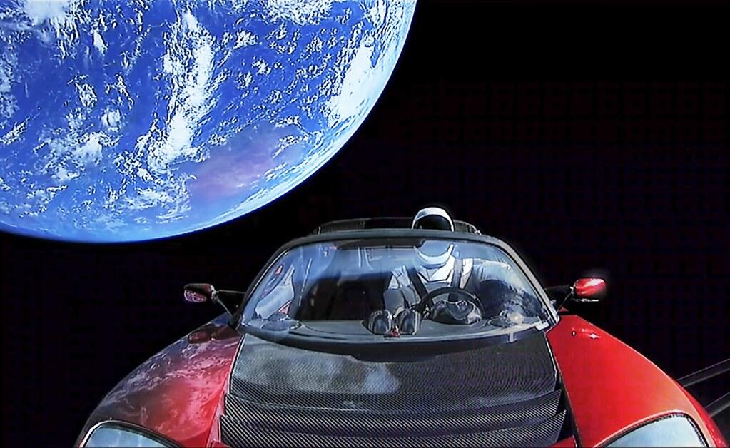 hal teraneh yang dikirim ke luar angkasa